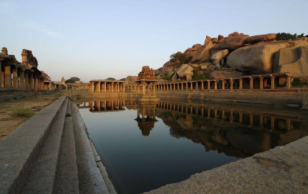 Hindistan'ın Hampi kentindeki Krişna Tapınağı.