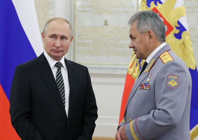 Rusya Savunma Bakanı Sergey Şoygu ve Rusya Devlet Başkanı Vladimir Putin