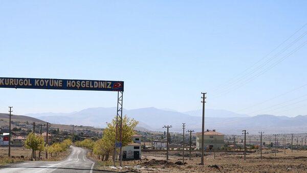 Nevşehir'in Acıgöl ilçesinde 945 nüfuslu Kurugöl köyünde 1100 elektrik direği bulunuyor. Bu nedenle 'direkli köy' diye de adlandırılıyor. - Sputnik Türkiye