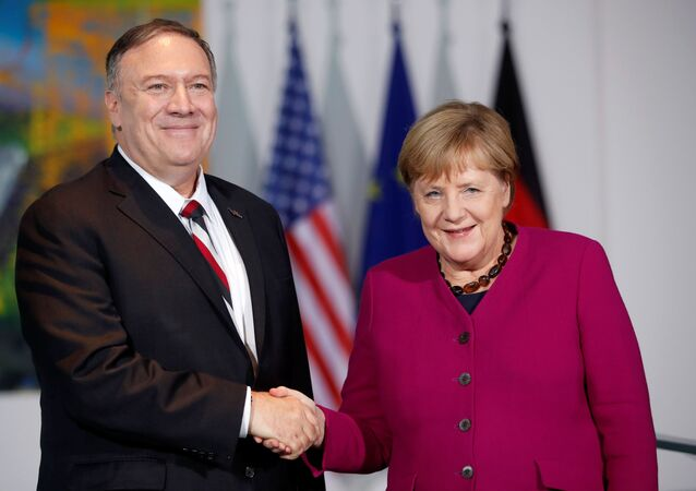 Merkel, ABD Dışişleri Bakanı Pompeo'yu kabul etti