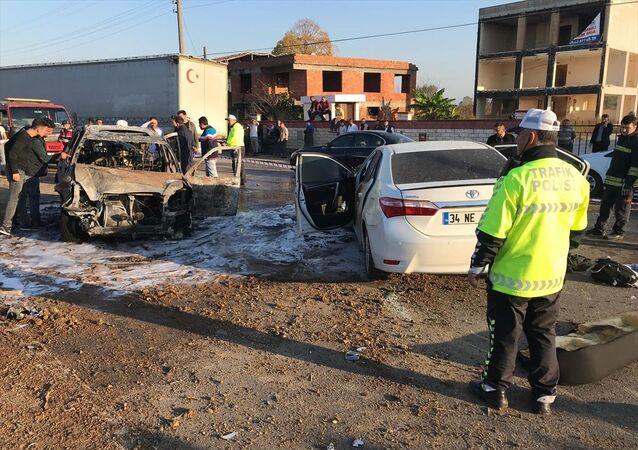 Samsun'un Çarşamba ilçesindeki kazada bir çocuk hayatını kaybetti, 8 kişi yaralandı.