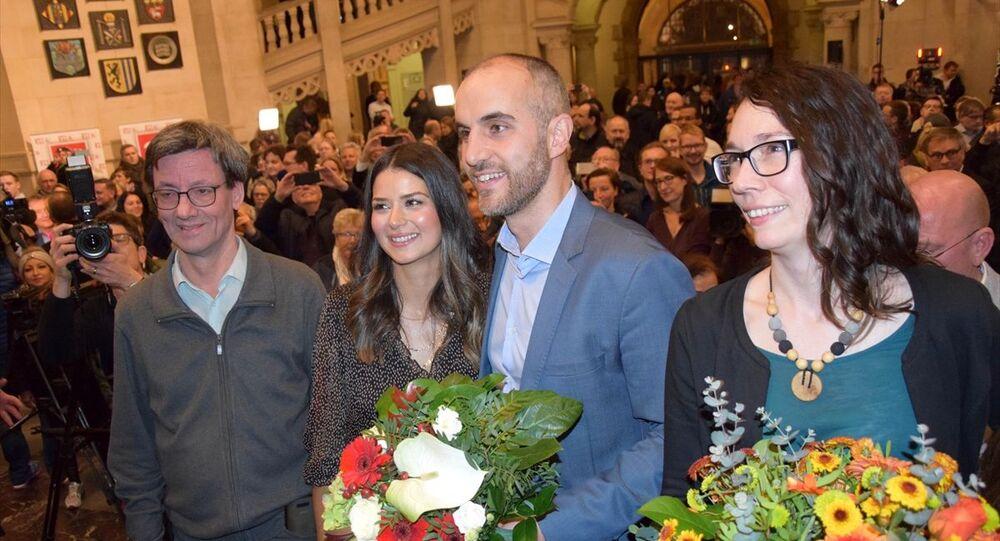 Almanya'da Türk kökenli siyasetçi Belit Onay (sağ 2), Hannover Büyükşehir Belediye Başkanı seçildi