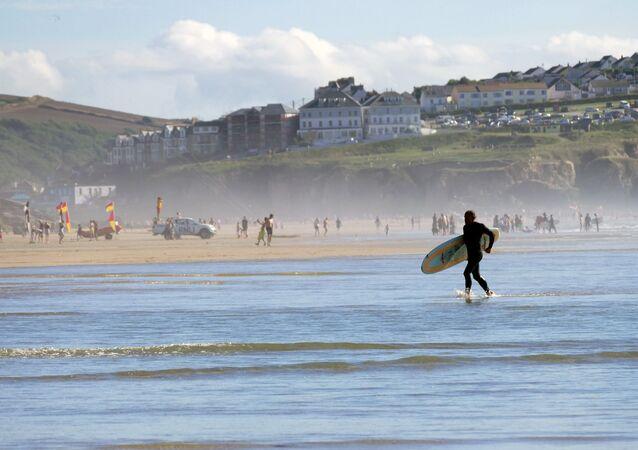 2. İngiltere  Birleşik Krallık'ın kurucu ve en kalabalık ülkesi olan İngiltere, dramatik doğal güzelliklerinden muhteşem sahillerine, tarihi yerlerinden kültürel merkezlerine dek, kendine özgü cazibesi ve karakteriyle de turistlerin gönlünü çalıyor.