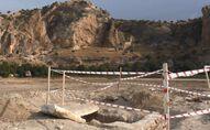Ağaç dikme kampanyası sırasında 4 iskelet, 1 mezar bulundu
