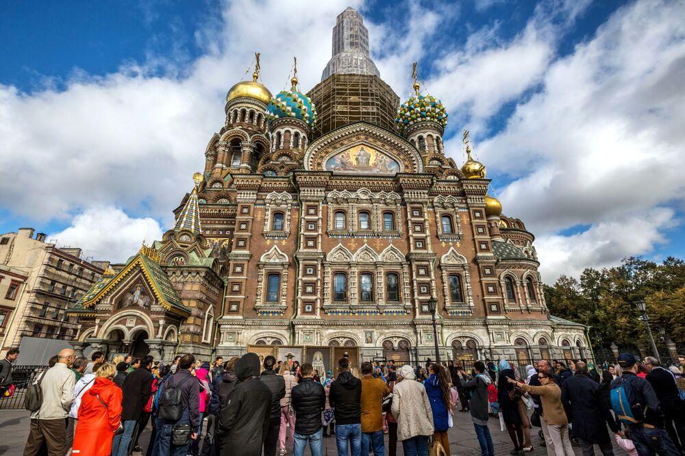 St. Petersburg  Fotoğrafta: Rusya'nın 'kuzey başkenti' olarak bilinen St. Petersburg'da yer alan Spas-na-Krovi Katedrali