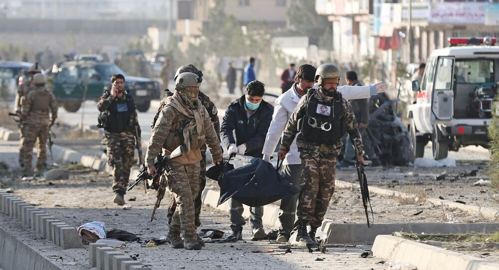 Afganistan'ın başkenti Kabil'de bomba yüklü araçla düzenlenen saldırıda 12 kişi hayatını kaybetti.