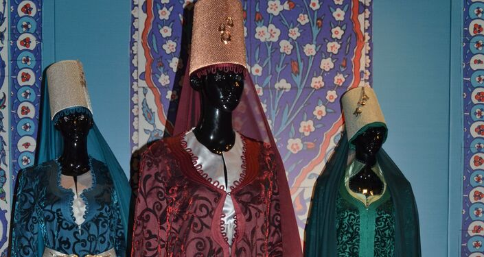 St.Petersburg Kültür Forumu kapsamında 'Çağdaş tasarımcıların gözünden Osmanlı kıyafetleri' sergisi düzenlenecek.