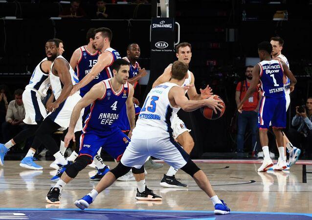 Anadolu Efes, Basketbol THY Avrupa Ligi 8. hafta maçında Rusya temsilcisi Zenit ile Sinan Erdem Spor Salonu'nda karşılaştı.