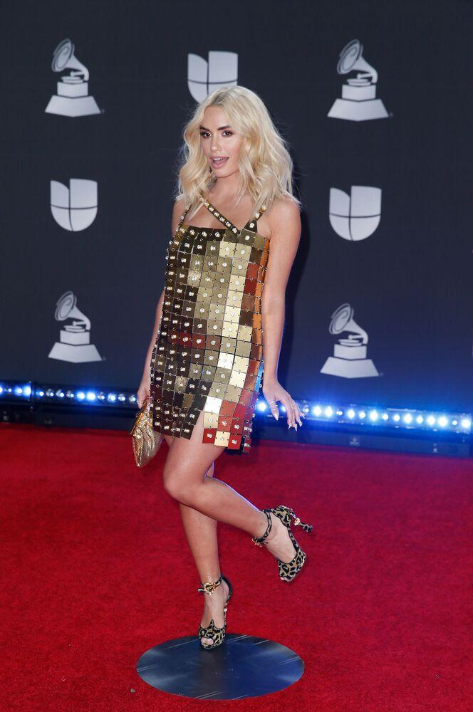 ABD'nin Las Vegaz kentinde düzenlenen Latin Grammy Ödülleri konuklarından biri olan Arjantinli  şarkıcı ve oyuncu Lali.
