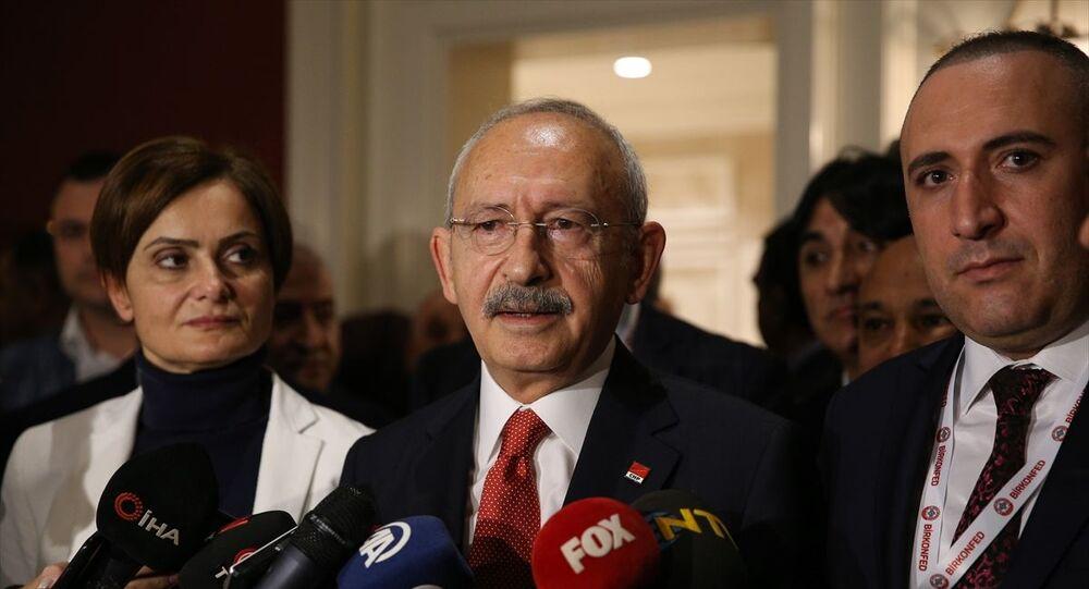 CHP Genel Başkanı Kemal Kılıçdaroğlu, BİRKONFED İş Dünyası Konfederasyonunun Ekonomi Değerlendirme Toplantıları başlığıyla düzenlediği programın ardından gazetecilerin EYT'ye ilişkin sorularını yanıtladı.