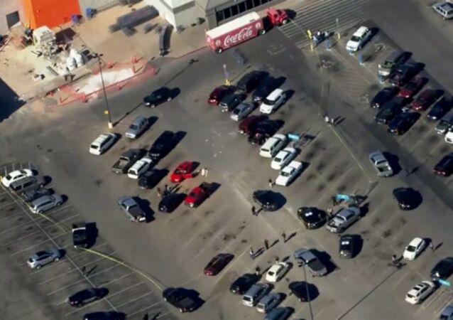 ABD'nin Oklahoma eyaletinde yer alan Walmart alışveriş merkezinde silahlı saldırı yaşandı.