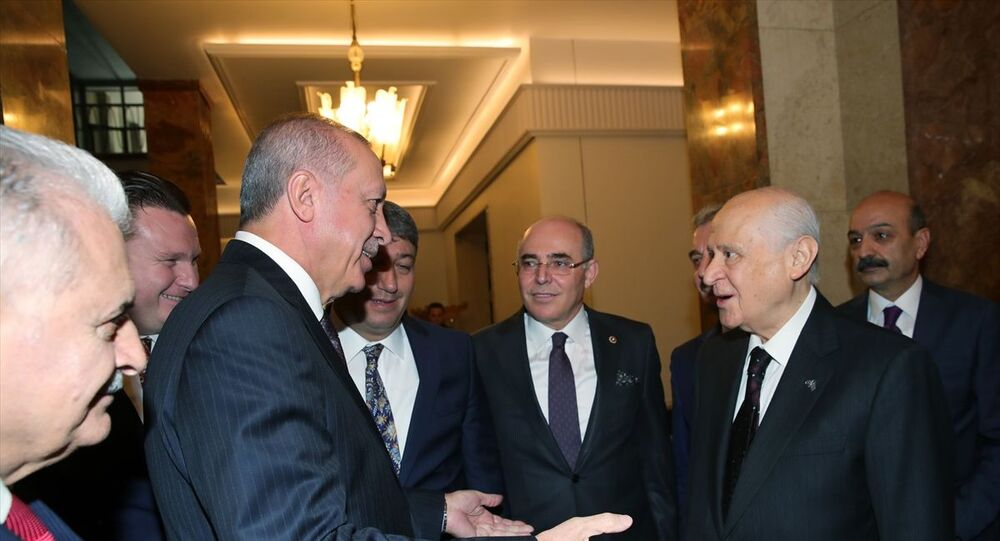 Türkiye Cumhurbaşkanı Recep Tayyip Erdoğan, Meclis'te, MHP Genel Başkanı Devlet Bahçeli ile bir araya geldi.