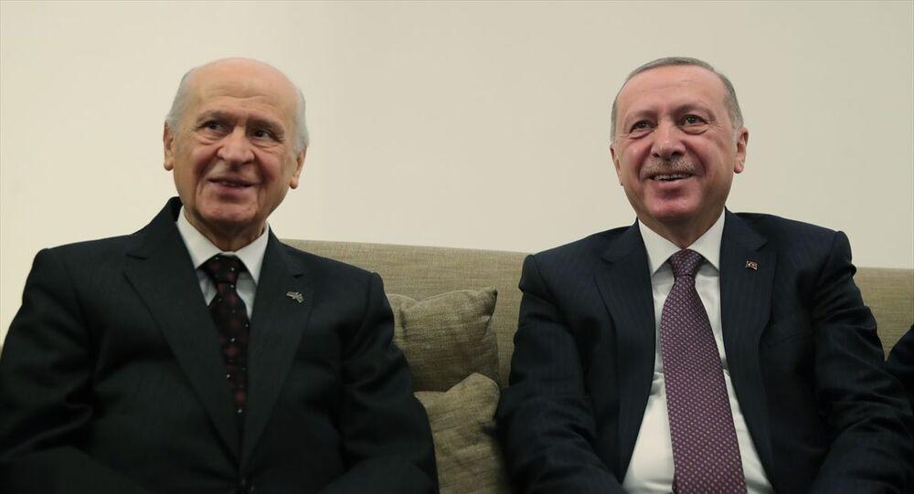 Türkiye Cumhurbaşkanı Recep Tayyip Erdoğan, TBMM'de MHP Genel Başkanı Devlet Bahçeli ile bir araya geldi.