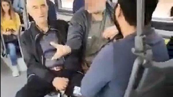 Kocaeli'nde kadın öğrenciye taciz: Karşımda oturma kalk, gözüm sana kayıyor - Sputnik Türkiye