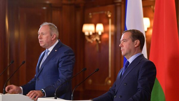 Medvedev, Belarus Başbakanı Sergey Rumas - Sputnik Türkiye