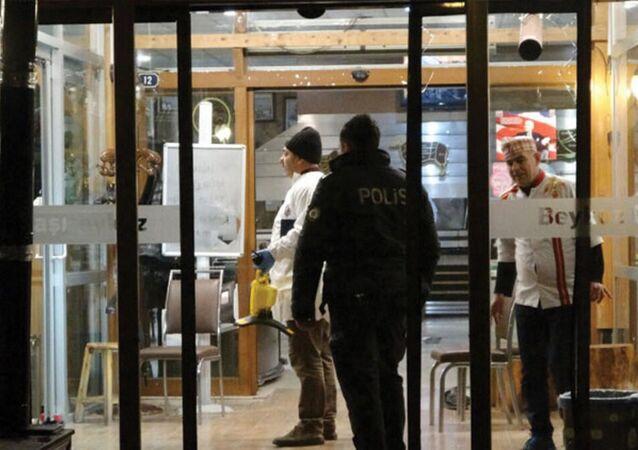 Lokanta çalışanı cinnet getirdi, personel ve müşterilere saldırdı: 1 ölü, 4 yaralı