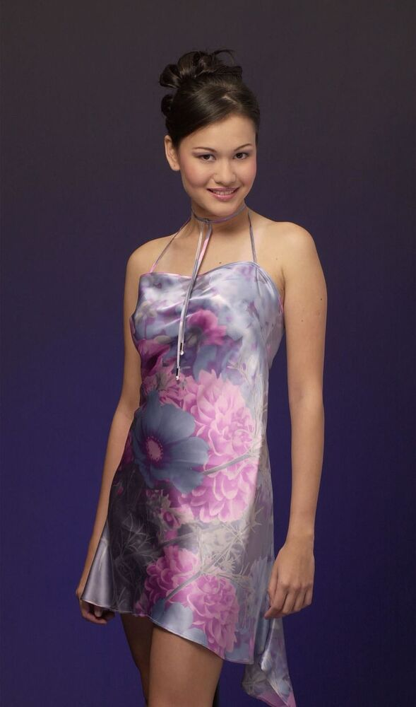 2000 Singapur Güzellik Kraliçesi Eunice Elizabeth Olsen, 2004'te Singapur Devlet Başkanı'nın kararnamesiyle parlamento üyesi oldu.