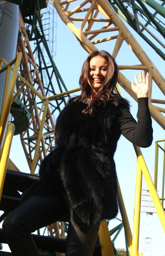 2002 Kainat Güzellik Kraliçesi Oksana Fedorova, 2008'de Voronej Bölgesel Duma milletvekili seçildi, ancak Devlet Duma'ya giremedi.