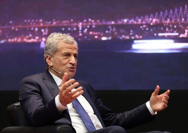 UEFA Yönetim Kurulu Üyesi ve Türkiye Futbol Federasyonu (TFF) 1. Başkan Vekili Servet Yardımcı, Sabah gazetesi tarafından Borsa İstanbul Yerleşkesi'nde düzenlenen Uluslararası Futbol Ekonomisi Forumu'na katılarak 2020 UEFA Şampiyonlar Ligi Finali Ev Sahibi İstanbul başlıklı oturumda konuşma yaptı.