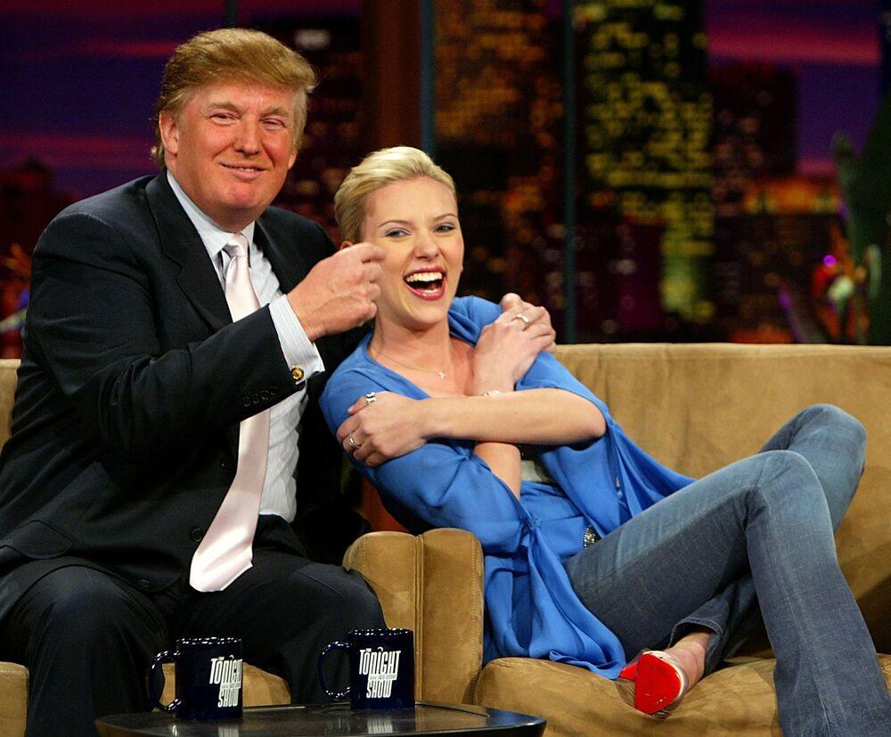 Scarlett Johansson ve Donald Trump, Jay Leno'nun 'Tonight Show' programında, 2004 yılı.