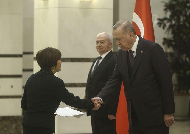 Türkiye Cumhurbaşkanı Recep Tayyip Erdoğan, Ekvator Cumhuriyeti'nin Ankara Büyükelçisi Puma'yı kabul etti.
