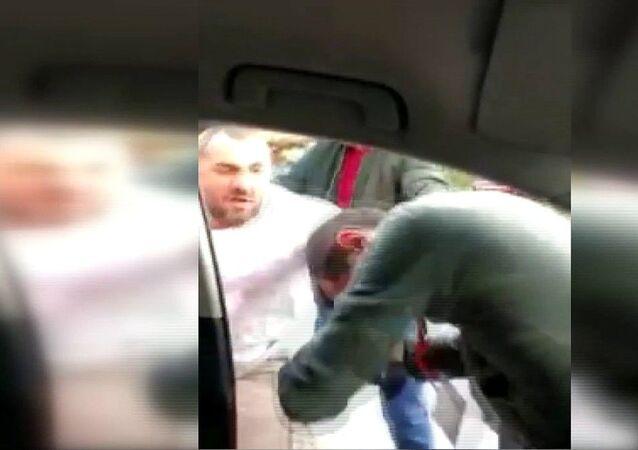 Direksiyon sınavını geçemeyen öğrencinin yakınları, sürücü kursu öğretmenine saldırdı