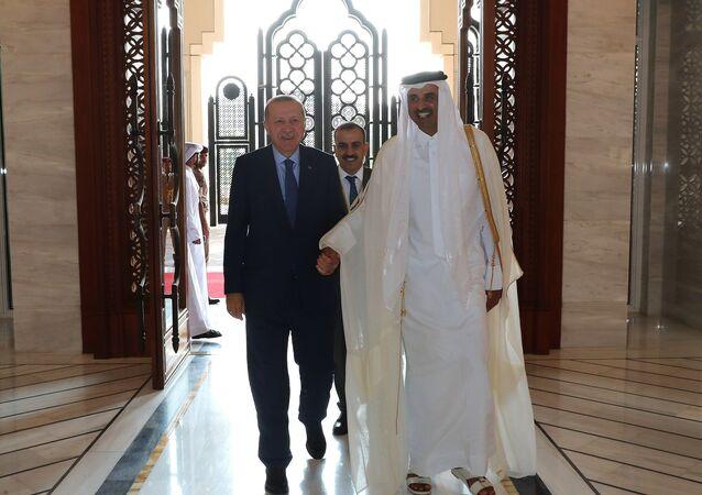 Türkiye Cumhurbaşkanı Recep Tayyip Erdoğan ve Katar Emiri Şeyh Temim bin Hamad Al Sani'nin huzurunda Türkiye ile Katar arasında 7 anlaşma imzalandı.