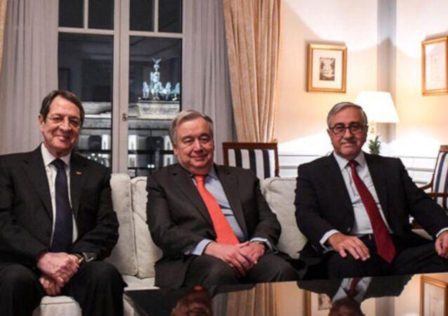 Mustafa Akıncı, Birleşmiş Milletler (BM) Genel Sekreteri Guterres ve Nikos Anastasiadis