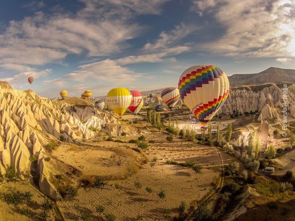 Yarışmanın finalistlerinden fotoğrafçı Eduardo Arteaga'nın Kapadokya'da çektiği görüntü.