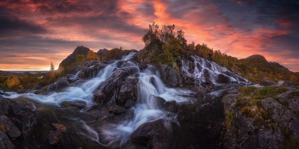 İspanyol fotoğrafçı Carlos F. Turienzo'nun şelale görüntüsü, Amatör-Manzara_Doğa kategorisinin  galibi oldu.