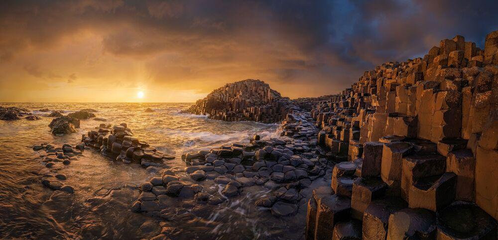 Epson Uluslararası Panoramik Fotoğraf Yarışması'nda jürinin takdirini kazanan Rus fotoğrafçı Sergey Semenov'un Giants Has Gone isimli çalışması.