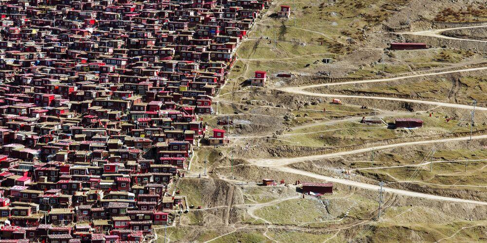 Epson Uluslararası Panoramik Fotoğraf Yarışması'nın Açık-Bina_Çevre kategorisinde en iyi ilk 50 çalışma arasında yer alan Japon fotoğrafçı Shinya Itahana'nın The End Point isimli çalışması.