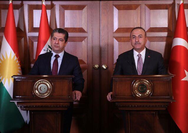 Dışişleri Bakanı Mevlüt Çavuşoğlu (fotoğrafta) ile IKBY Başbakanı Mesrur Barzani, Dışişleri Resmi Konutu'ndaki görüşmelerinin ardından ortak basın toplantısı düzenledi.