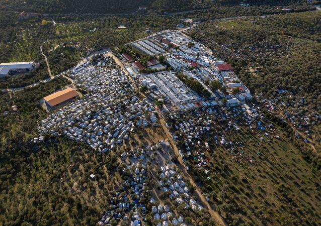 Yunanistan'ın Midilli Adası'ndaki Moria mülteci kampının havadan çekilmiş görüntüsü.