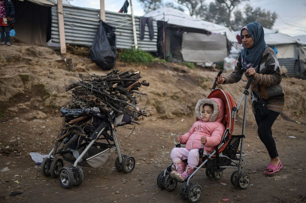 Göçmenlerin Avrupa kıtasına giriş kapısı olarak bilinen Yunanistan'da yaklaşık 70 bin mültecinin yaşadığı tahmin ediliyor.