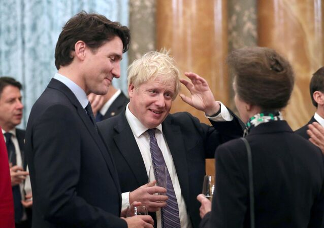 Boris Johnson ve Justin Trudeau