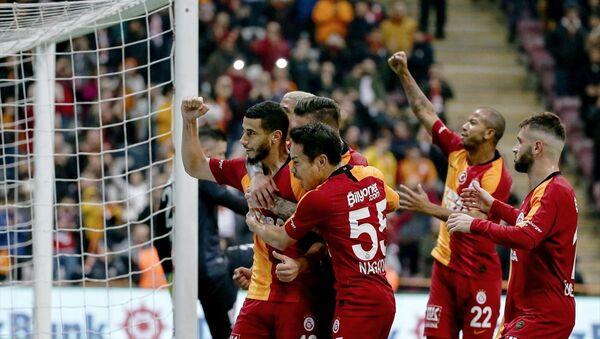Süper Lig'in 14. haftasında oynanan Galatasaray-Aytemiz Alanyaspor maçının ilk yarısı sarı-kırmızılı ekibin 1-0'lık üstünlüğüyle sona erdi. - Sputnik Türkiye