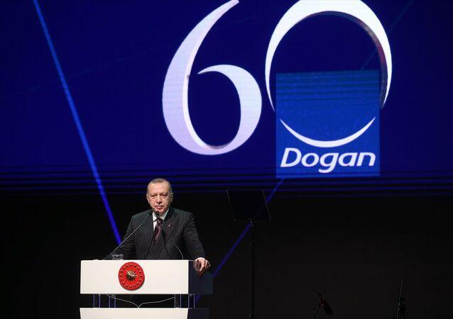 Türkiye Cumhurbaşkanı Recep Tayyip Erdoğan, İstanbul'da Doğan Grubu'nun 60. yıl dönümü gala gecesine katıldı.