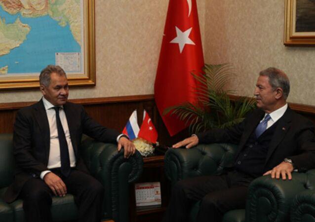 Milli Savunma Bakanı Hulusi Akar, Rusya Federasyonu Savunma Bakanı Sergey Şoygu