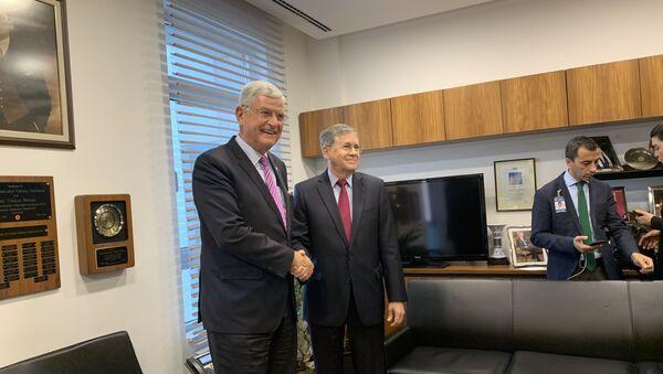 ABD'nin Ankara Büyükelçisi David Satterfield ile görüşen TBMM Dışişleri Komisyonu Başkanı Volkan Bozkır - Sputnik Türkiye