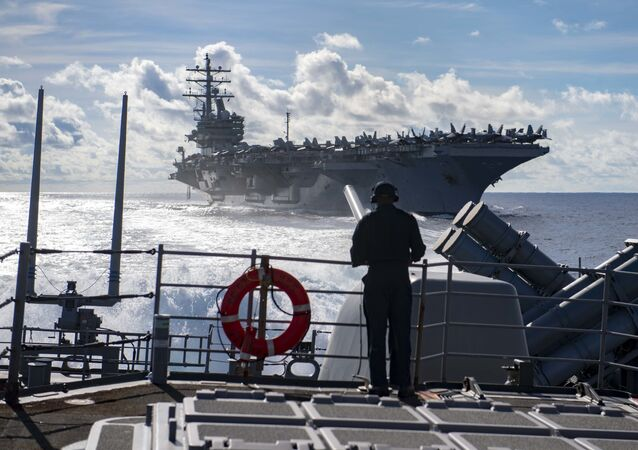 ABD Donanması 10 uçak gemisi, 9 indirme gemisi, 22 kruvazör, 62 destroyer, 17 fırkateyn ve 72 denizaltına sahip.