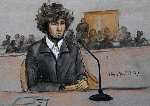 2013'te 19 yaşındayken yakalanan Dzhokhar Tsarnaev'in 2014'te yargılanma sürecinden mahkeme resmi