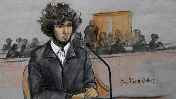 2013'te 19 yaşındayken yakalanan Dzhokhar Tsarnaev'in 2014'te yargılanma sürecinden mahkeme resmi   - Sputnik Türkiye
