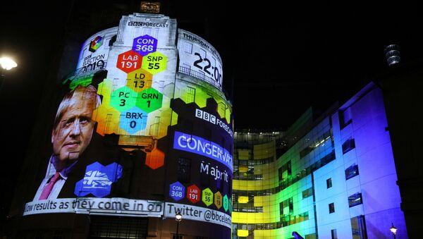 İngiltere'de sandık çıkış anketine göre seçimi Muhafazakar Parti kazandı - Sputnik Türkiye