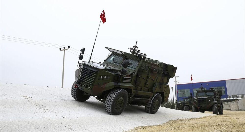 Türkiye ve Avrupa Birliği (AB) sınırlarındaki gözetleme kapasitesinin artırılmasına yönelik çalışmalar kapsamında 27 Ateş Mobil Sınır Güvenlik Sistemi'nin güvenlik güçlerine teslimatı yapıldı.