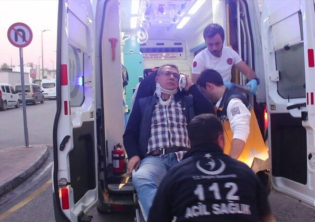 Adana'da sistem arızası nedeniyle hastanın tahlil sonuçlarına bakamadığı iddia edilen aile hekiminin hasta eşi ve yakınlarınca darbedildiği ileri sürüldü