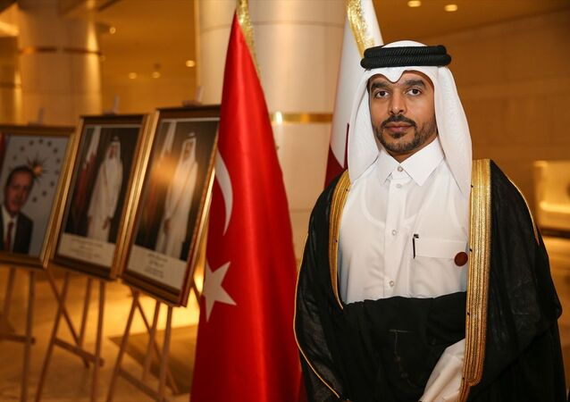 Katar Milli Günü dolayısıyla Katar'ın İstanbul Başkonsolosu Mansur bin Abdullah el Suleytin'in (fotoğrafta) ev sahipliğinde, Zincirlikuyu'daki bir otelde resepsiyon verildi.