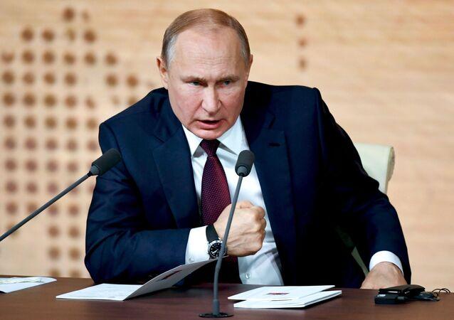 Vladimir Putin'in büyük yıl sonu basın toplantısı