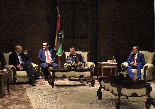 Yunanistan Dışişleri Bakanı Nikos Dendias, Libya Başbakanı Abdullah el Thani ve Dışişleri Bakanı Abdulhadi el-Havic ile görüştü