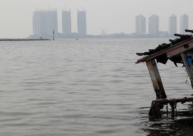 Japonya Fukuşima'daki  radyoaktif suyu denize veya havaya bırakmayı planlıyor